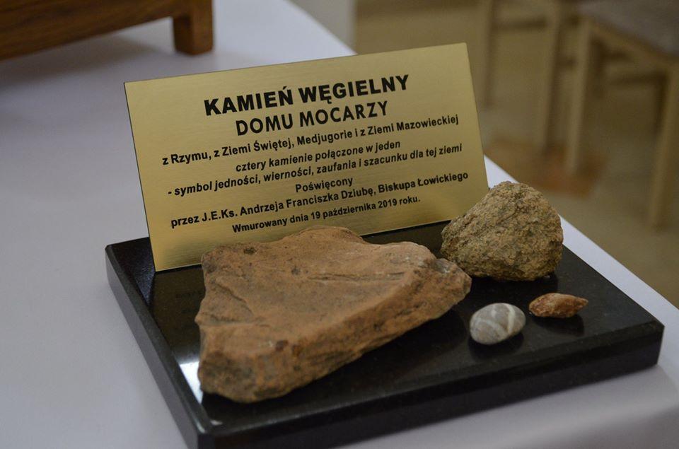 Zdjęcia z poświęcenia kamienia węgielnego