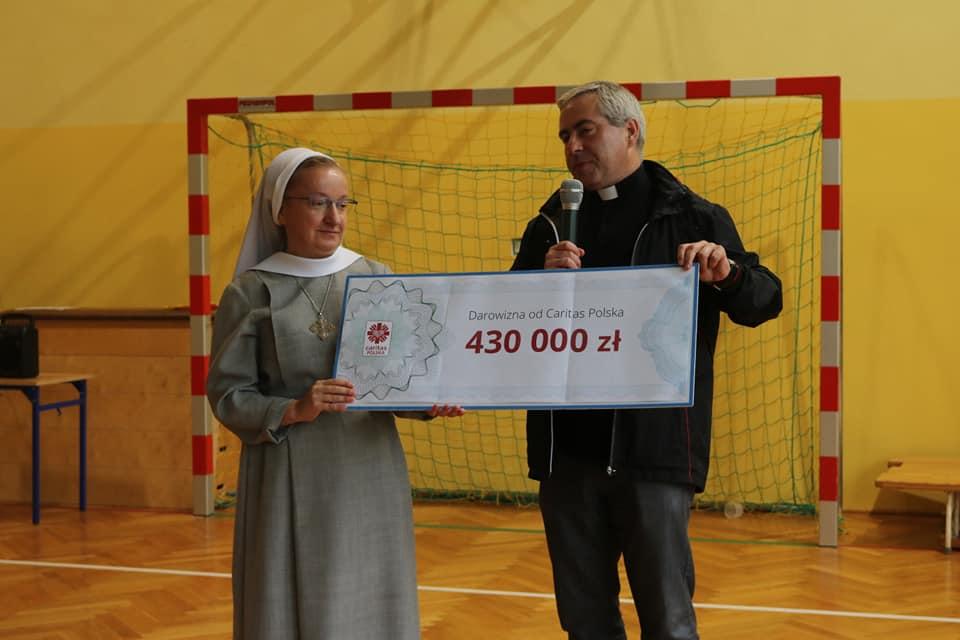Caritas Polska: Prawie 0,5 mln złotych dla Mocarzy!