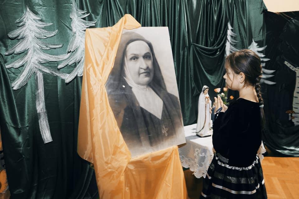 Różaniec z bł. Matką Celiną Borzęcką