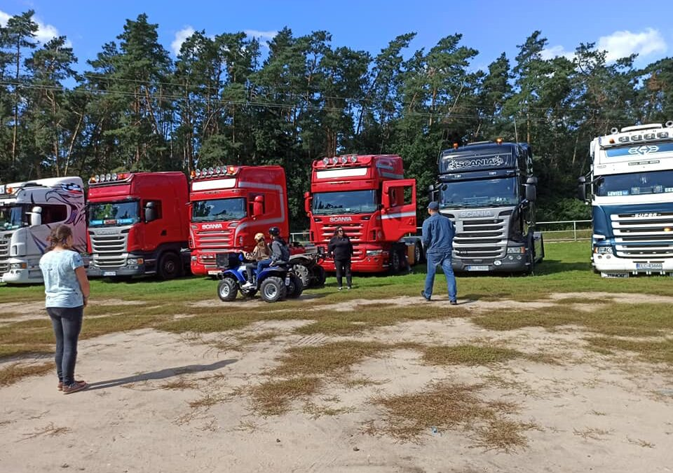 Truckersi z Łowicza i strażacy z OSP Złaków Kościelny w Domu Mocarzy